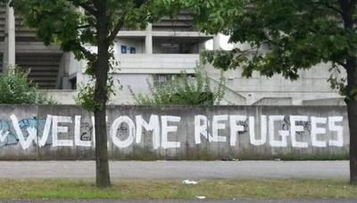 la-marcia-degli-scalzi-a-monza-solidarieta-per-profughi-e-migranti_2f2425f6-58a1-11e5-ba35-6fbbbbe5c230_512_512_new_rect_medium
